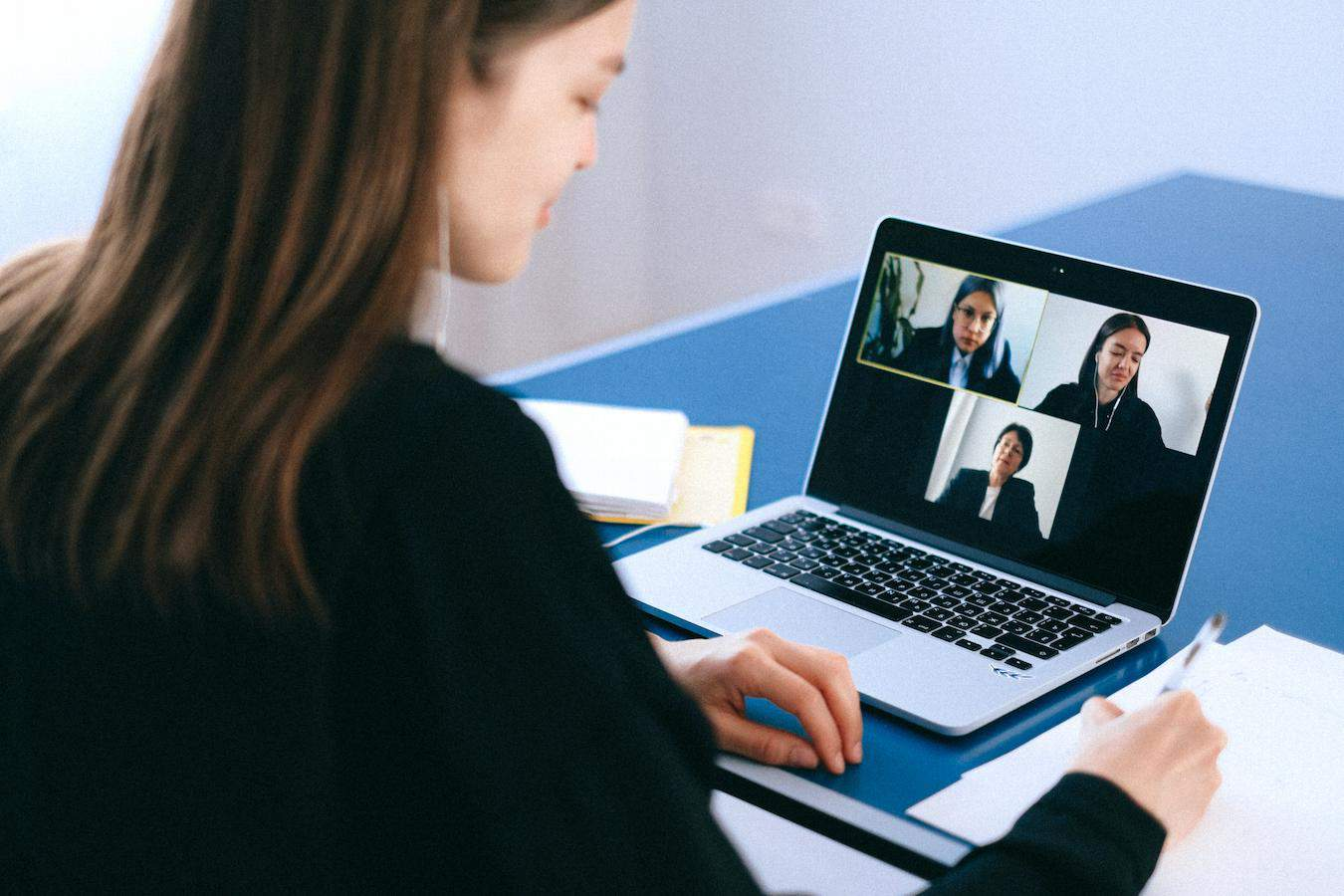 How to ensure people are communicating effectively in virtual meetings