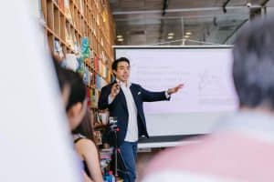 5 tips for choosing the perfect virtual speaker for your next virtual event
