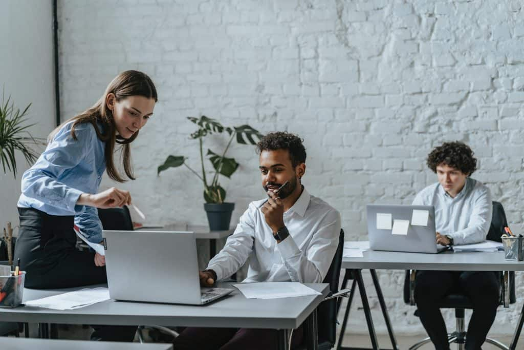 communication in the workplace reflects company culture