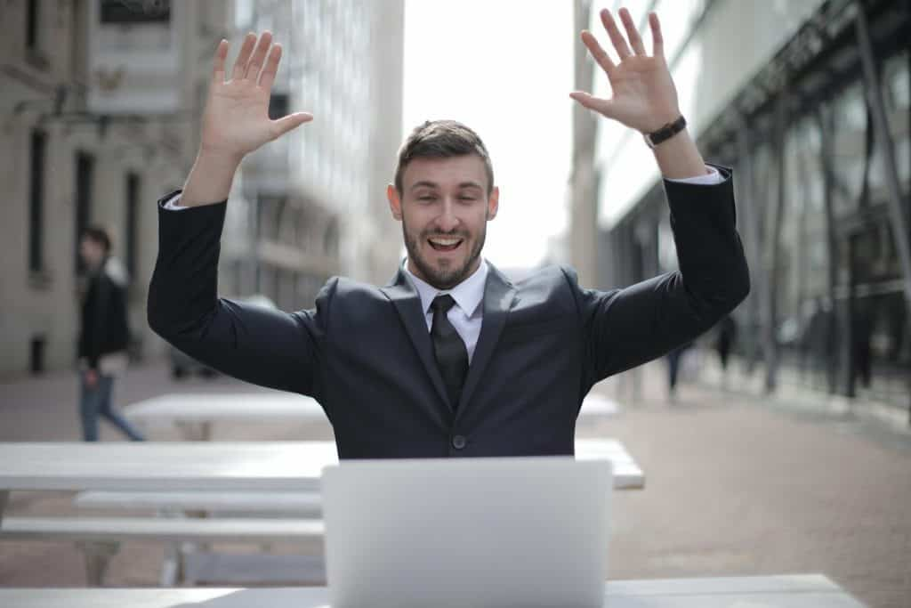 Employee recognition is a great way to get disengaged employees more motivated in the workplace