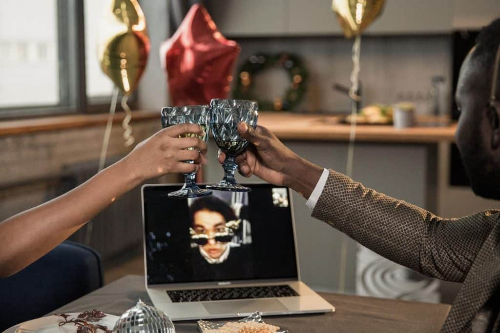 Play virtual christmas party games with your colleagues and work on team building too